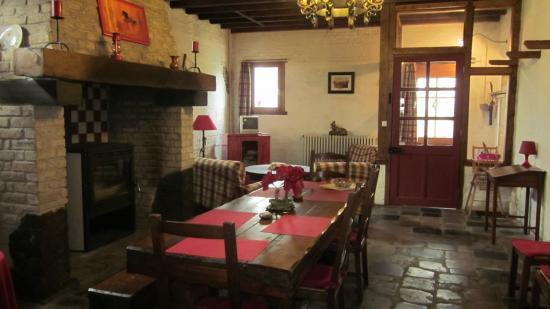 salle à manger gite 1546
